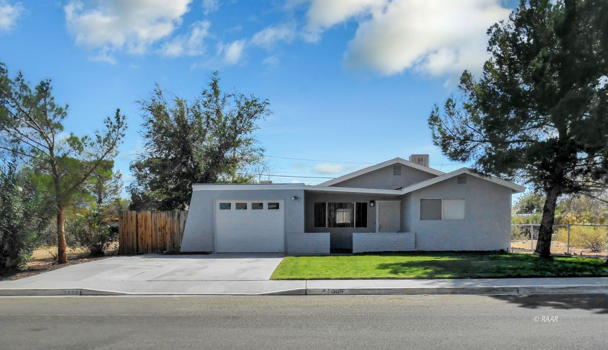 Photo for 1009 W iowa, Ridgecrest, CA 93555 (MLS # 1957567)