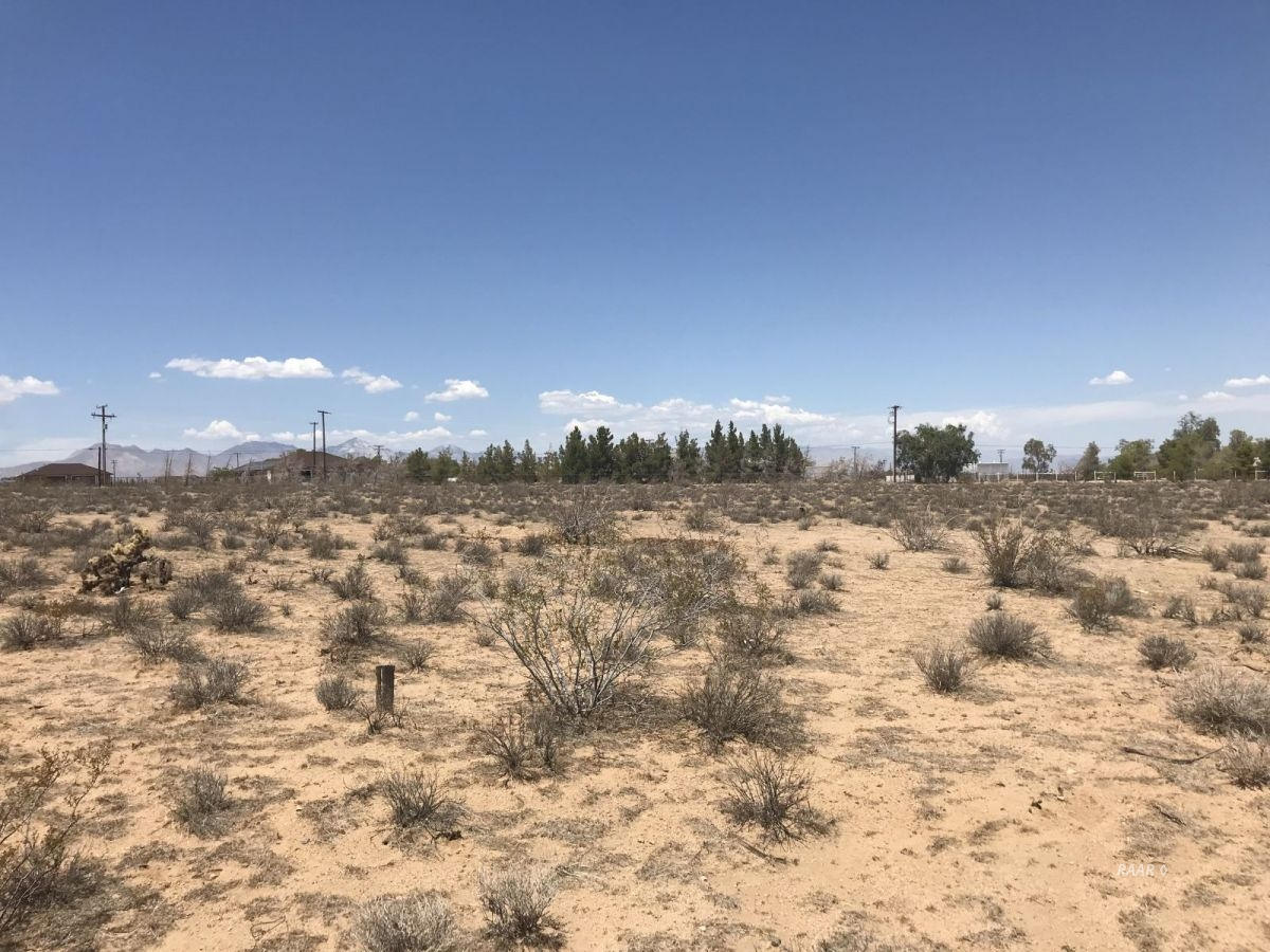 Photo for 511-091-25 S. China Lake Blvd, Ridgecrest, CA 93555 (MLS # 1954827)