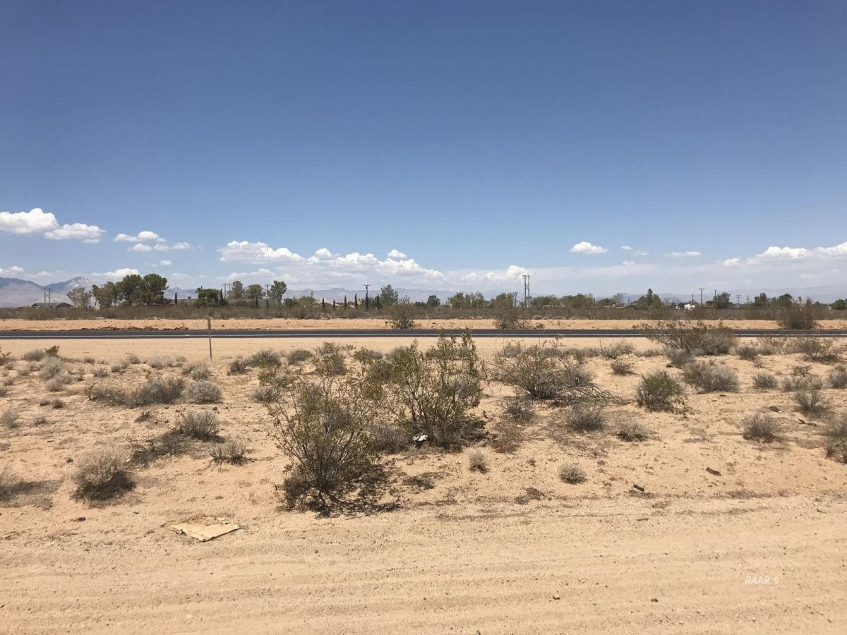 Photo for 511-102-12 S. China Lake Blvd, Ridgecrest, CA 93555 (MLS # 1954829)