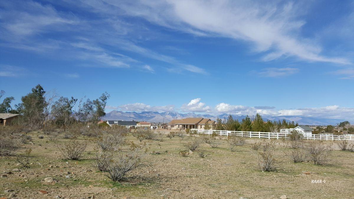 Photo for 415 E Diamond Peak AVE, Ridgecrest, CA 93555 (MLS # 1955877)