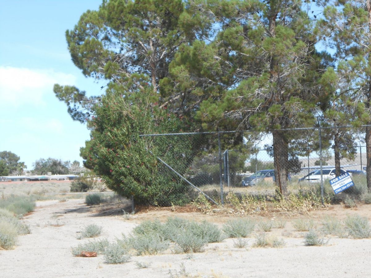 Photo for China Lake Blvd & French St., Ridgecrest, CA 93555 (MLS # 1956054)