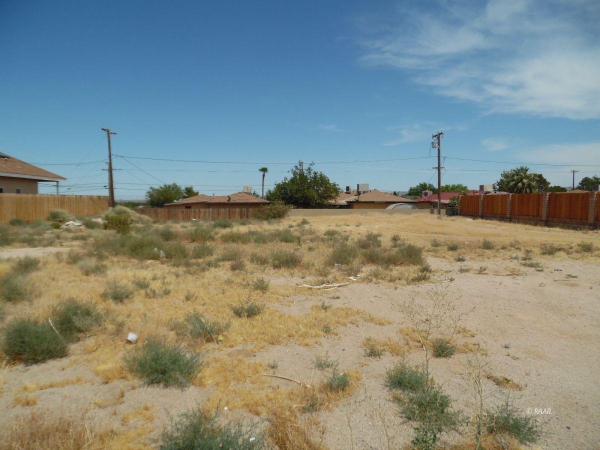 Photo for 081-192-31 Yorktown, Ridgecrest, CA 93555 (MLS # 1957316)