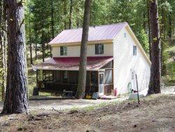 Photo of 29 Robbins Drive, Cascade, ID 83611 (MLS # 528182)