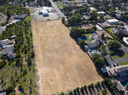 Photo of 8500 W Etcheverry DR, TRACY, CA 95304 (MLS # ML81745967)