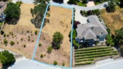 Photo of 2331 Hoya LN, GILROY, CA 95020 (MLS # ML81753490)