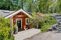 Photo of 339 Wayside RD, PORTOLA VALLEY, CA 94028 (MLS # 81650457)