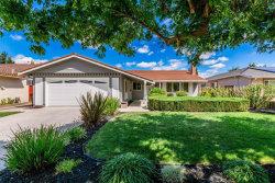 Photo of 6068 Foothill Glen CT, SAN JOSE, CA 95123 (MLS # ML81678425)