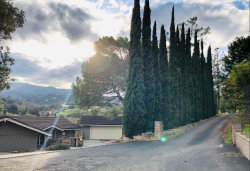 Photo of 11824 Hilltop DR, LOS ALTOS HILLS, CA 94024 (MLS # ML81738154)