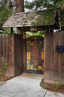 Photo of 181 Addison AVE, PALO ALTO, CA 94301 (MLS # ML81765543)