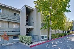 Photo of 4000 Farm Hill BLVD 305, REDWOOD CITY, CA 94061 (MLS # ML81767774)