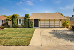 Photo of 241 Mainsail CT, FOSTER CITY, CA 94404 (MLS # ML81772792)