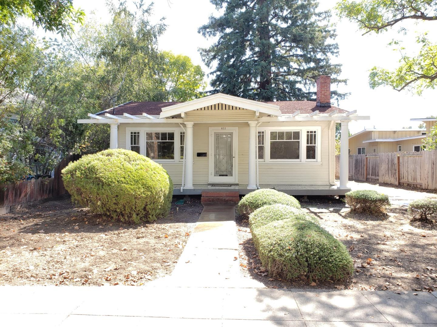 Photo for 425 Stanford AVE, PALO ALTO, CA 94306 (MLS # ML81812133)