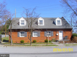Photo of 123 6th W, Front Royal, VA 22630 (MLS # VAWR142108)