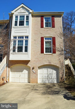 Photo of 1369 Heritage Oak WAY, Reston, VA 20194 (MLS # 1000227936)