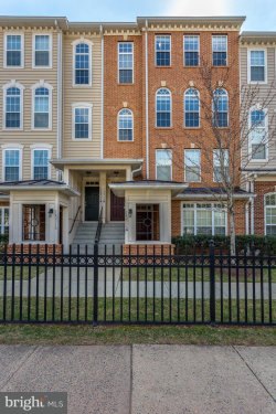 Photo of 14233 B Saint Germain DRIVE, Unit 6, Centreville, VA 20121 (MLS # 1000269154)