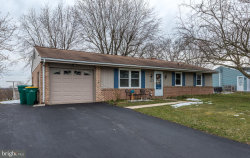 Photo of 5 Dawn Avenue, Akron, PA 17501 (MLS # 1000308040)