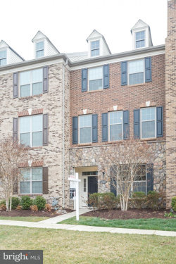 Photo of 43211 Depascale SQUARE, Ashburn, VA 20148 (MLS # 1000322644)