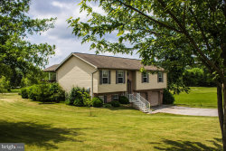 Photo of 45 Hunters CIRCLE, Abbottstown, PA 17301 (MLS # 1001865258)