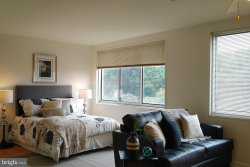 Photo of 10201 Grosvenor PLACE, Unit 908, North Bethesda, MD 20852 (MLS # 1001945198)