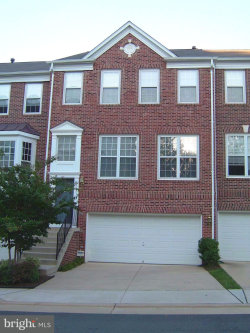 Photo of 2923 Hunters Glen WAY, Fairfax, VA 22031 (MLS # 1002120657)