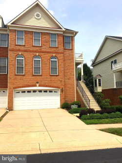 Photo of 42906 Overly SQUARE, Chantilly, VA 20152 (MLS # 1002151088)