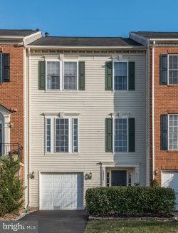 Photo of 25546 Evans SQUARE, Chantilly, VA 20152 (MLS # 1004403149)
