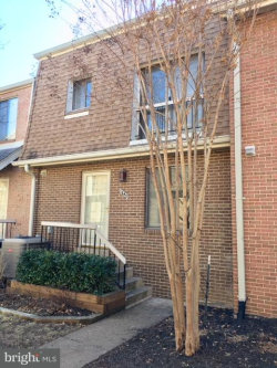 Photo of 1685 Kenwood AVENUE, Alexandria, VA 22302 (MLS # 1005251129)