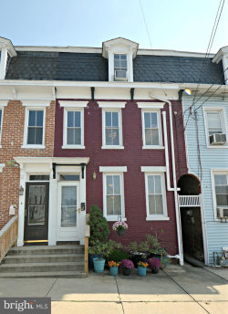 Photo of 116 Walnut STREET, Columbia, PA 17512 (MLS # 1005622482)