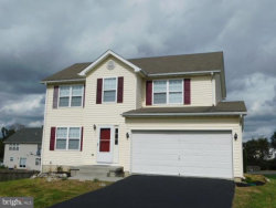 Photo of 272 Thayers Gull DRIVE, Martinsburg, WV 25405 (MLS # 1009910338)