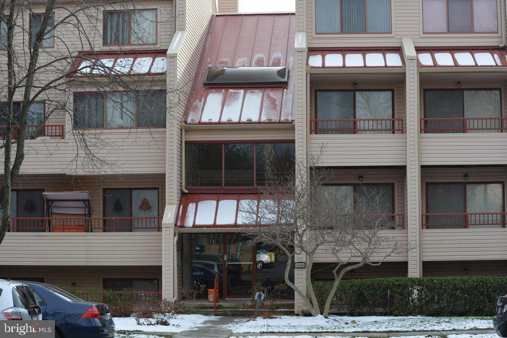 Photo for 8008 Valley Manor ROAD, Unit 2A, Owings Mills, MD 21117 (MLS # MDBC418302)