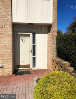 Photo of 21 Stonehenge CIRCLE, Baltimore, MD 21208 (MLS # MDBC510190)