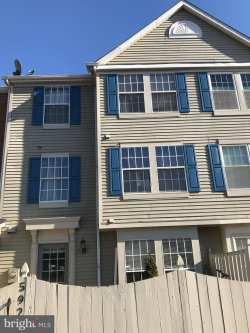 Photo of 592 Hollyberry WAY, Frederick, MD 21703 (MLS # MDFR234318)