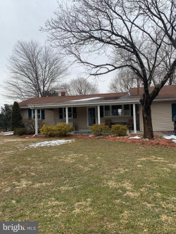 Photo of 8517 Chestnut Grove ROAD, Frederick, MD 21701 (MLS # MDFR253748)