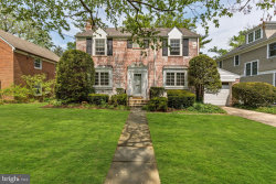 Photo of 4517 Cumberland AVENUE, Chevy Chase, MD 20815 (MLS # MDMC648322)