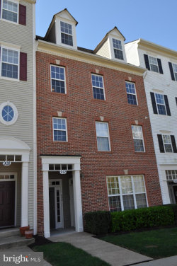Photo of 912 Orchard Ridge DRIVE, Unit 200, Gaithersburg, MD 20878 (MLS # MDMC653184)