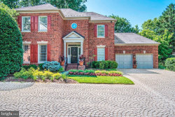 Photo of 7906 Sandalfoot DRIVE, Potomac, MD 20854 (MLS # MDMC662724)