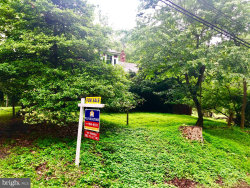 Photo of 11450 S Glen ROAD, Potomac, MD 20854 (MLS # MDMC663842)