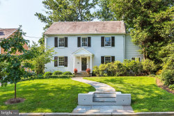 Photo of 4810 Essex AVENUE, Chevy Chase, MD 20815 (MLS # MDMC671348)