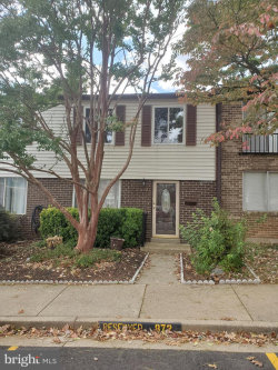 Photo of 872 West Side DRIVE, Unit 14-H, Gaithersburg, MD 20878 (MLS # MDMC684146)