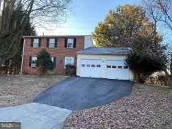 Photo of 9008 Green Run WAY, Gaithersburg, MD 20879 (MLS # MDMC693342)