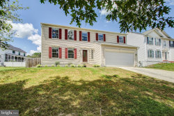Photo of 14810 Crossvalley ROAD, Burtonsville, MD 20866 (MLS # MDMC715664)