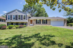Photo of 16 Sunnymeade Ct, Potomac, MD 20854 (MLS # MDMC718494)