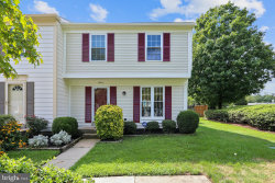 Photo of 14413 Stepping Stone WAY, Burtonsville, MD 20866 (MLS # MDMC720318)