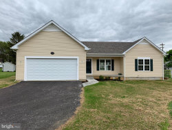 Photo of 17937 Constitution CIRCLE, Hagerstown, MD 21740 (MLS # MDWA170096)