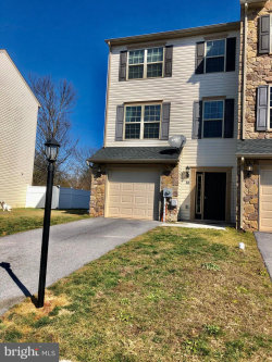Photo of 72 Katelyn DRIVE, New Oxford, PA 17350 (MLS # PAAD110572)