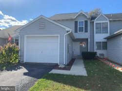 Photo of 31 Warwick CIRCLE, Mechanicsburg, PA 17050 (MLS # PACB126430)