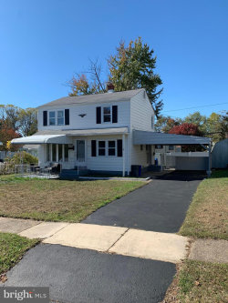 Photo of 240 W Roland ROAD, Brookhaven, PA 19015 (MLS # PADE503352)