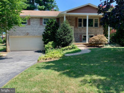 Photo of 575 Cortleigh DRIVE, York, PA 17402 (MLS # PAYK121036)