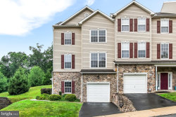 Photo of 2120 Maple Crest BOULEVARD, York, PA 17406 (MLS # PAYK140558)