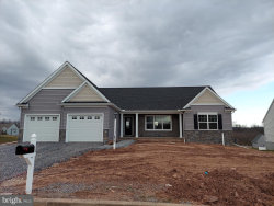 Photo of Brookfield Model At Fox Run Creek, Dover, PA 17315 (MLS # PAYK142228)